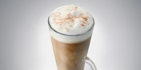Baileyskaffe med sjokolade og kanel - Her kommer en Baileysdrink du kan servere kjæresten i et svakt øyeblikk.