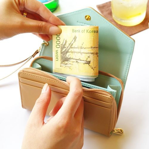 CoaCoa Color 100% Authentic Donbook. Fits many different brands of smart phone including samsung galaxy, iphone, HTC. Shop now at www.redlipbunny.com! #wallets #DonBook #wristlets #gold # accessory #cute #handbags #purse #genuine #korean #trending #smartphone #iphone #case #popular