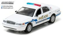 Greenlight 1:64 Hot Pursuit Series 22 2011 Ford Victoria Police Washington DC