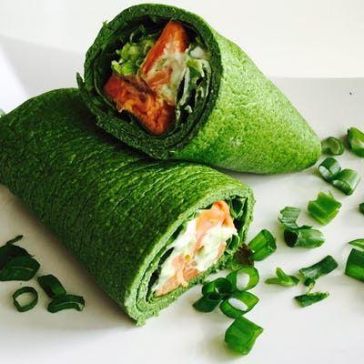 Nyd din wrap på den sundeste måde - prøv denne lækre, hurtige og sunde opskrift på spinat-æggewrap med grønt fyld. Gang op, hvis I er flere.