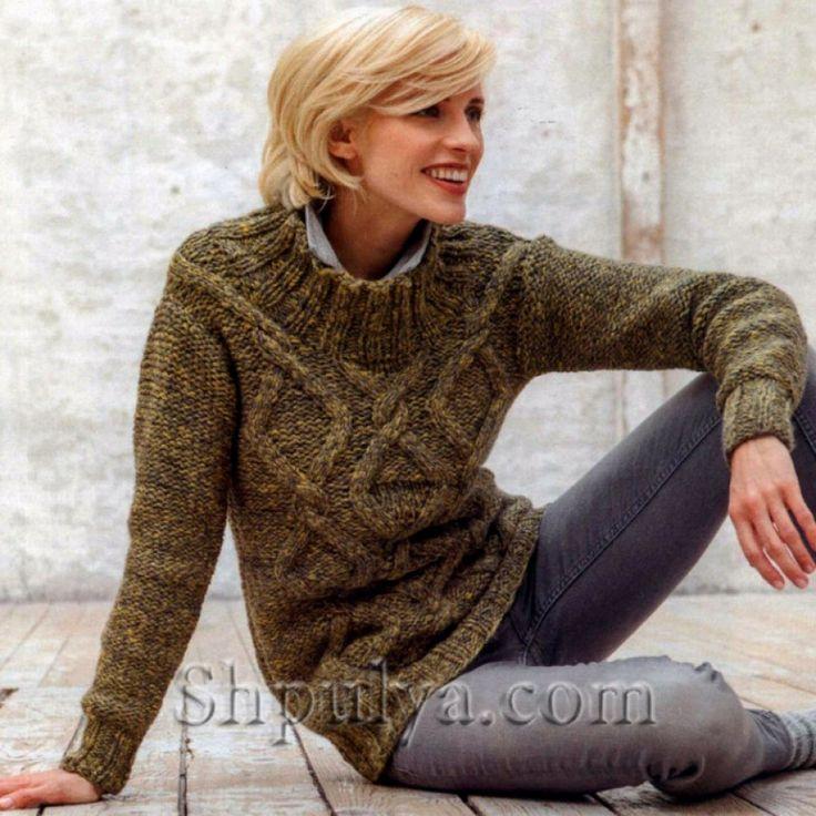 Вязаный пуловер с узором из ромбов спицами