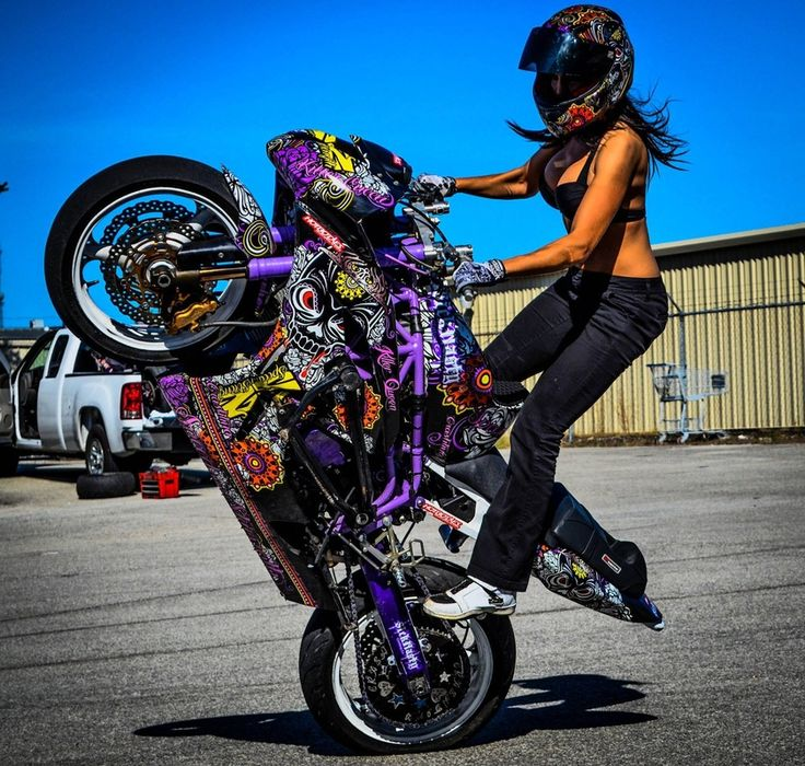 "Stuntriderin Christina ""Crashtina"" Billings"