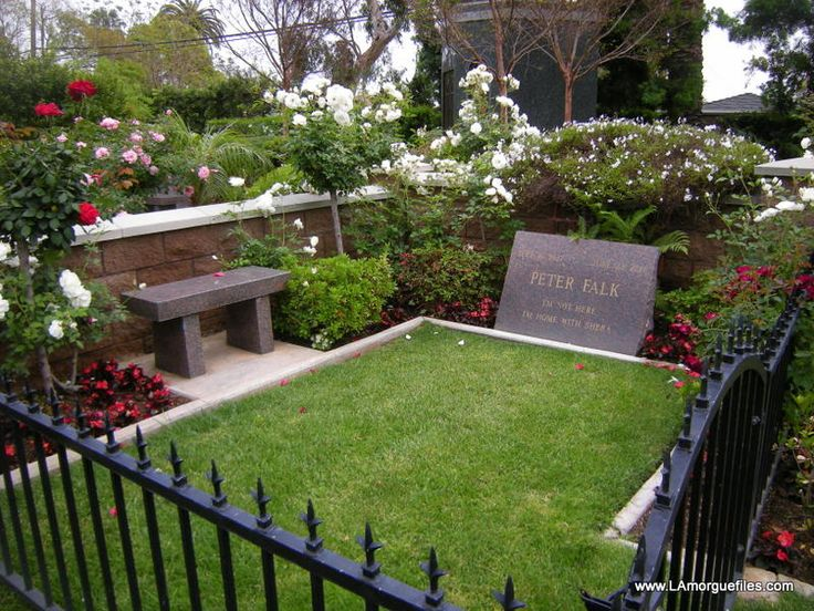 Westwood memorial park peter falk columbo peter falk for Westwood park