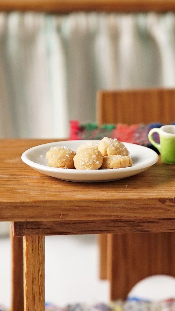 Estamos invitados a tomar el Té, las Galletas son miniatura yo no sé por qué 🎶🎶😂 Miniature Crafts, Mini Foods, Cereal, Tasty, Breakfast, Small Stuff, Ideas, Food Decorating, Crack Crackers