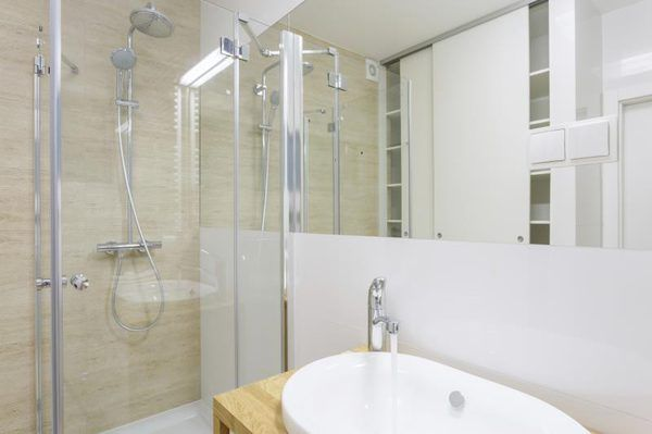 How To Make My Shower Doors Look New Again Shower Doors Clean Shower Doors Glass Bathroom