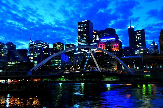 Yarra River - Melbourne by Carmen C. Loyola, via Flickr