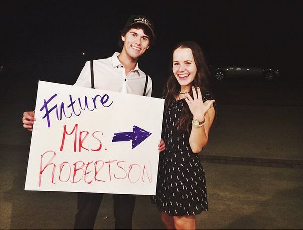 "John Luke Robertson of ""Duck Dynasty"" fame is set to marry his fiancée, Mary Kate McEacharn, on Saturday, June 27, according to the couple's online wedding registries."