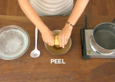 Rest a month of your life. Lifehacks. Peel. Do not wait and check this out. Lemon peeling. Peeling.