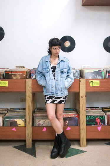 Daniela Nutz - Levi's® Vintage 90's Jean Jacket, American Apparel Short Print Dress, Yru Platform Leather Combat Boots - DOBLE A