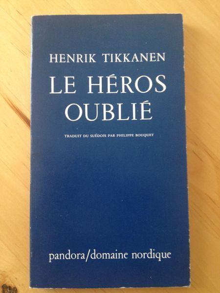 #littérature : Le héros oublié - Henrik Tikkanen. « Le militarisme est l'art de faire régner la discipline. Sans discipline, il n'est pas possible de faire la guerre. La base de la guerre, ce sont les ordres. Les ordres sont faits pour être obéis et ne peuvent être discutés. C'est pourquoi l'obéissance est la première vertu en temps de guerre. Et bien qu'elle soit très largement répandue, il arrive qu'elle atteigne des sommets vertigineux et soit à l'origine de cas de sainteté militaire. »…