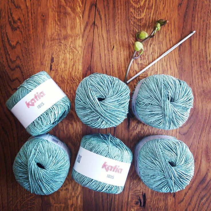 Subtle glow on this gorgeous cotton-blend yarn from Katia - IBIS is available in lovely colors from https://irika.ro/shop/fire/ibis/