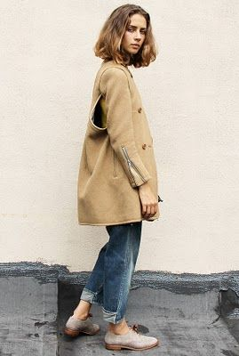 oxford shoes, classic coat and jeans #traveloutfit