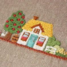 2016.12.22 . 小さな可愛いお家 . . #刺繍#手刺繍#ステッチ#手芸#embroidery#handembroidery#stitching#자수#broderie#bordado#вишивка#stickerei#家