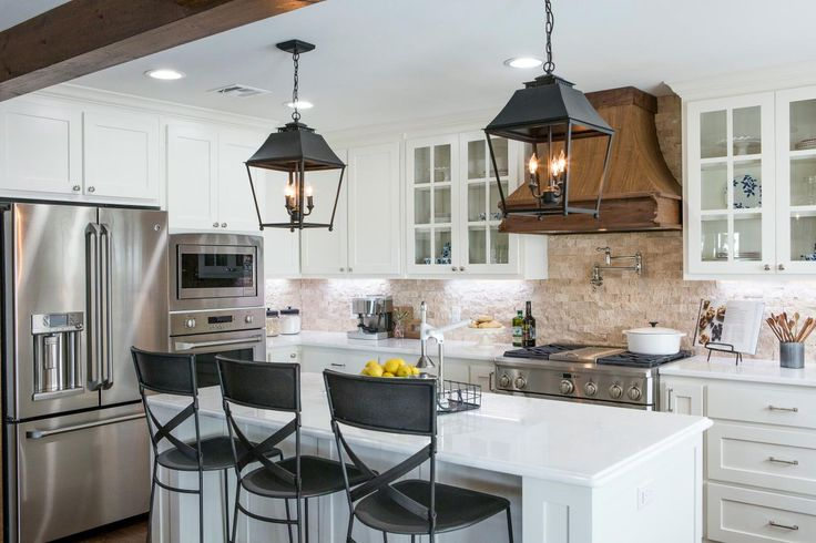 Photos Hgtv S Fixer Upper With Chip And Joanna Gaines Hgtv Fixer Upper Kitchen Farmhouse