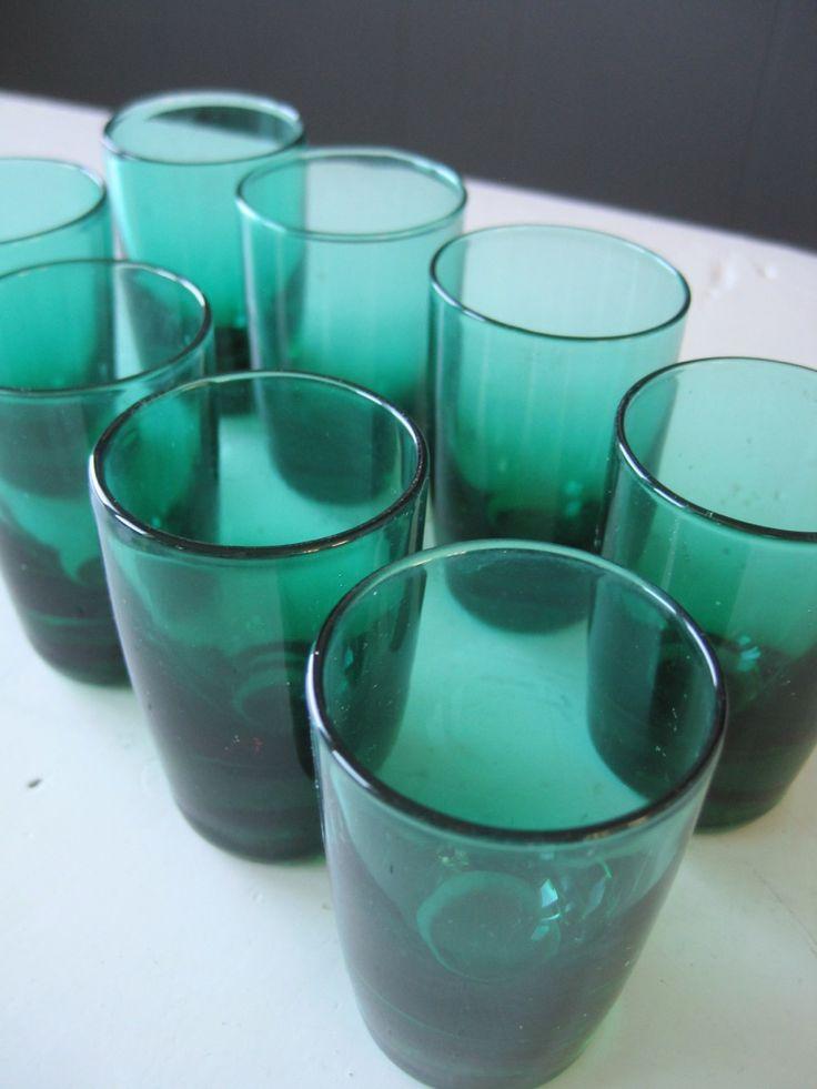 FINN – Retro Likor Glass i Ekte Grønn Glass - Set of 8 licor or shot glasses