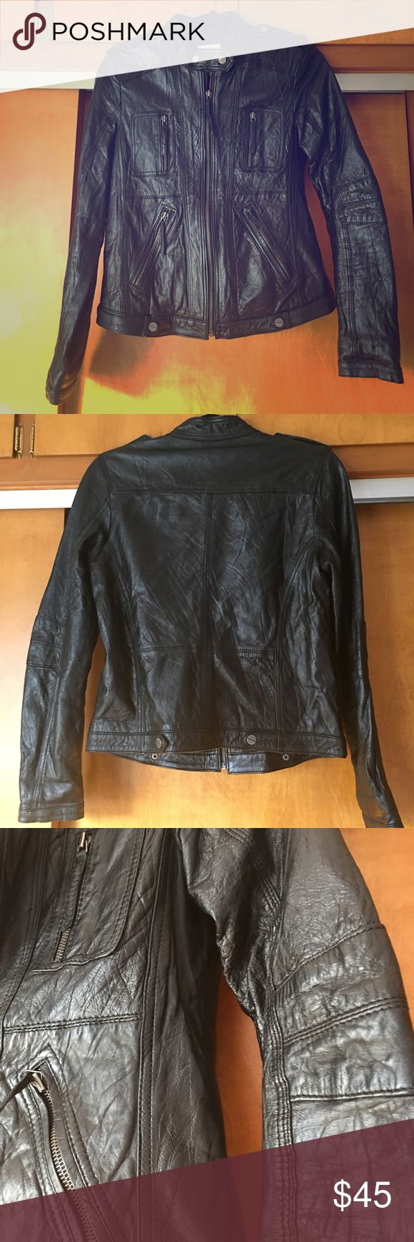 Bershka 100% Leather jacket size L This is a cool leather motorcycle jacket , from Spain size Large. It fits more like a medium.  The leather is not stiff and it's not a thick leather , which means it's totally wearable as the weather turns nicer , paired over a cute dress and some short boots with bare legs! Versatile and easy to slip into 💕 Bershka Jackets & Coats Utility Jackets