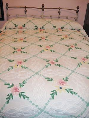 Vintage Cabin Crafts Chenille Bedspread