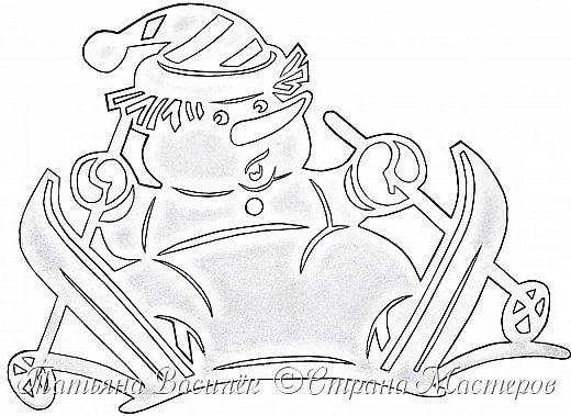 Давно хотелось сделать семейство Снеговичков на зимних окошечках:)  Наконец нашла подходящих героев в детских раскрасках и вырезала вытынанки. И вот, что в итоге получилось))) фото 10