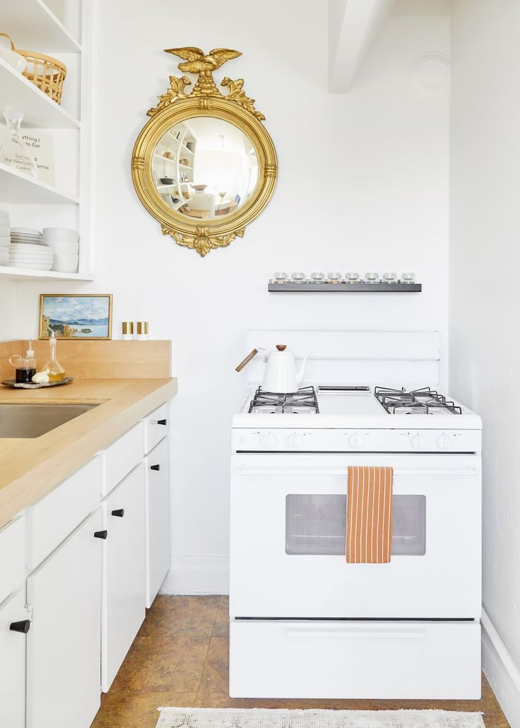 4 Small Kitchen Layouts That Show The Best Spaces Come In Tiny Packages Small House Interior Design Small Kitchen Layouts Kitchen Design Color