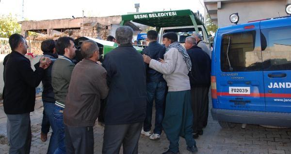 Adıyaman'ın Besni ilçesinde sobadan çıkan karbonmonoksit gazı nedeniyle iki kişi hayatını kaybetti.