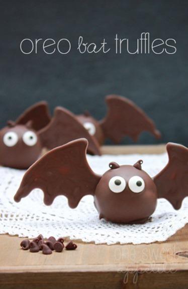 Adorable Halloween inspired Oreo Bat Truffles. #wholoveschocolate