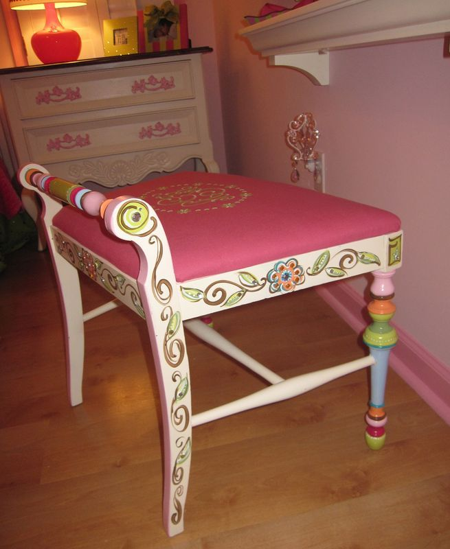 17 Best Images About Pretty Painting Projects On Pinterest Hand Painted Furniture Painted