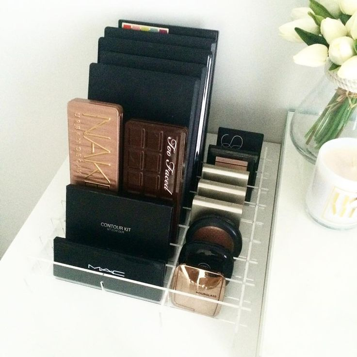 """""""VC Dividers - SET 3. When everything you buy comes in a palette or a compact  Available online now - $38  #makeupstorage #makeupholder #makeuptable…"""""""