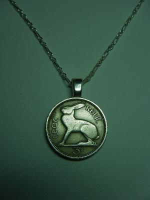 Ireland 3 Pence Hare Rabbit Vintage Coin Pendant Chain by roxcraft: Vintage Coins, Pence Haring, Pence Coins, Coins Pendants, Vintage Wardrobe, Funky Fashion, Rabbit Vintage, Haring Rabbit, Pendants Chains