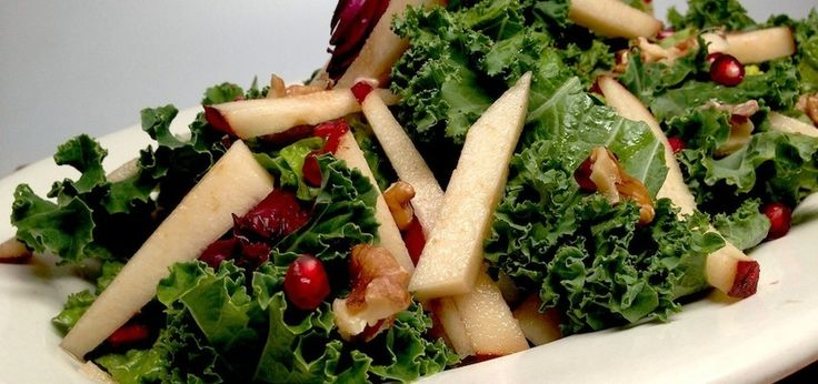 A Kale, Pomegranate & Pear Salad (It's A Healthy Powerhouse!)