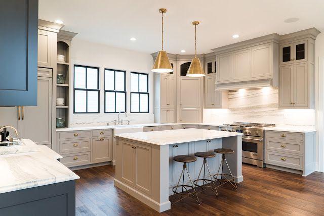 дневник дизайнера: Американская серая кухня в интерьере роскошного особняка