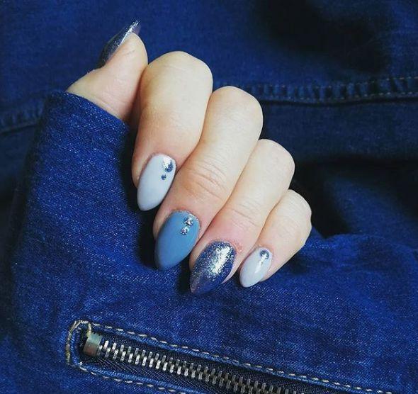 Kolory: Semilac- Silver Blue 255, Indigo- Top Secret, NeoNail- Cuddle me na żelu Ingigo Light Rose