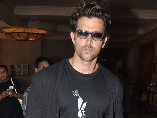 'Dhoom' Again For Hrithik Roshan and Yash Raj Films http://www.ndtv.com/video/player/news/dhoom-again-for-hrithik-roshan-and-yash-raj-films/351198