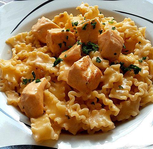 Lachs-Sahnesoße zu Nudeln, ein tolles Rezept aus der Kategorie Kochen. Bewertungen: 631. Durchschnitt: Ø 4,5.