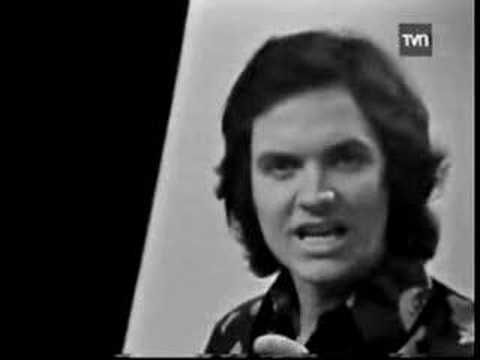 Camilo Sesto - Vivir Así Es Morir De Amor (HQ audio) - YouTube