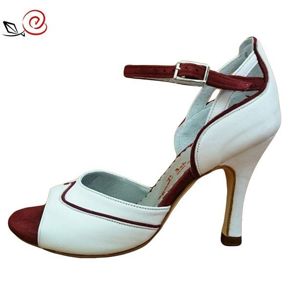 Beautiful woman tango shoes In white leather and red suede  http://www.italiantangoshoes.com/shop/en/women/496-asia.html