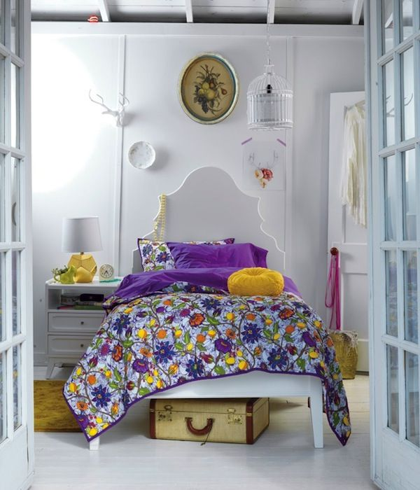 Complementary Color Scheme Room: Violet/Yellow Images