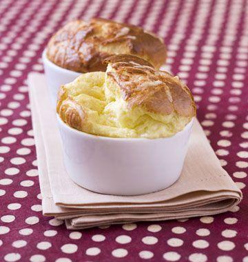 Soufflés au fromage comté : une recette facile et inratable - les meilleures recettes de cuisine d'Ôdélices