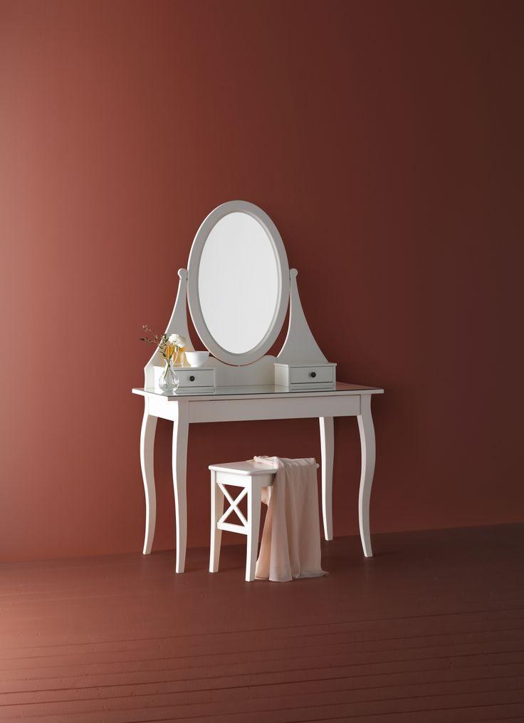 HEMNES toilettafel met spiegel   #IKEAcatalogus #nieuw #2017 #IKEA #IKEAnl #spiegel #tafel #makeup #wit #slaapkamer #badkamer