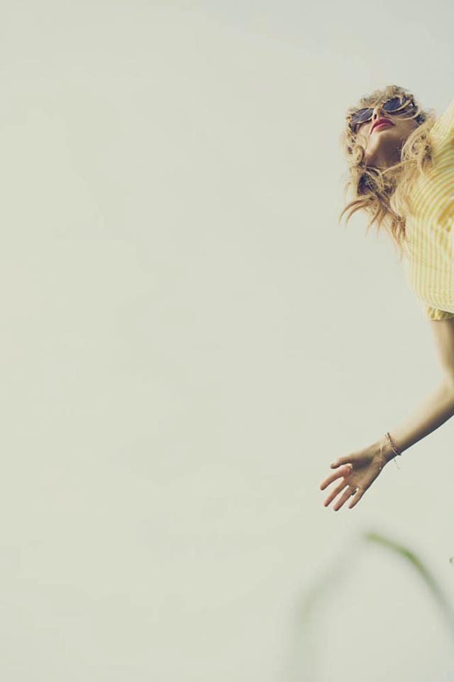 Taylor Swift Latest Red Album Photoshoot Reveals