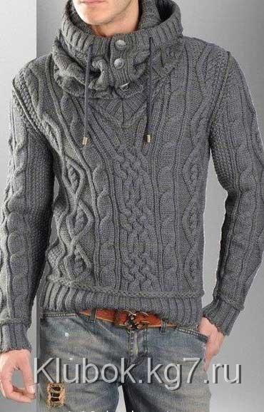 Мужской пуловер с отдельным капюшоном спицами