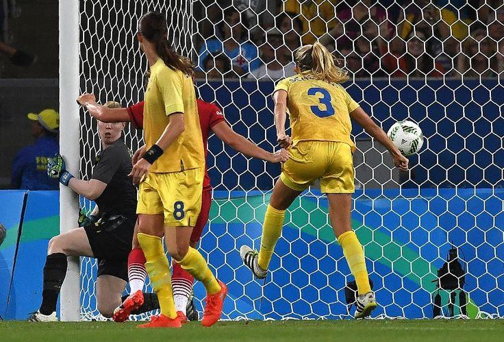 Schon kurz danach traf Schweden, erhöhte damit aber auf 2:0 für Deutschland....