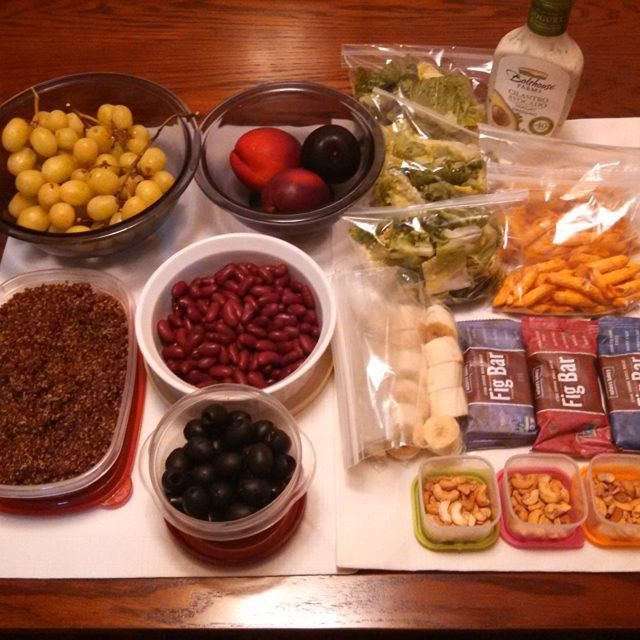 3 Day Meal Prep! I just warm up the spicy red quinoa and kidney beans to put over salad greens, top it with black olives and my favorite dressing (Bolthouse Farms Cilantro Avocado Yogurt Dressing)...Washed my fruits (grapes, plums and nectarines ) for easy grab and go...Snacks - Crunchy Mac n Cheese, Fig Bars and cashews...Freezing the bananas for smoothies! #mealprep #consultantlife #figbar #bolthousefarms
