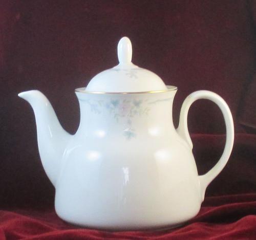 Buy ROYAL DOULTON VOGUE TEA POTfor R350.00