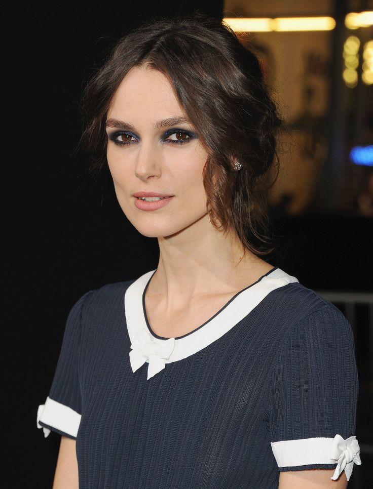 kiera knightley at the premiere for her movie jack ryan shadow recruit