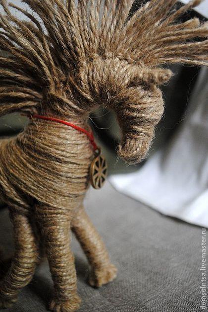 �аг��зка... Читайте також також Текстильні сердечка-обереги 35 фото Ароматичні мішечки(саше) для шафи, ідеї декору та суміші трав Обереги з квасолі Різдвяний декор плетений з газет … Read More