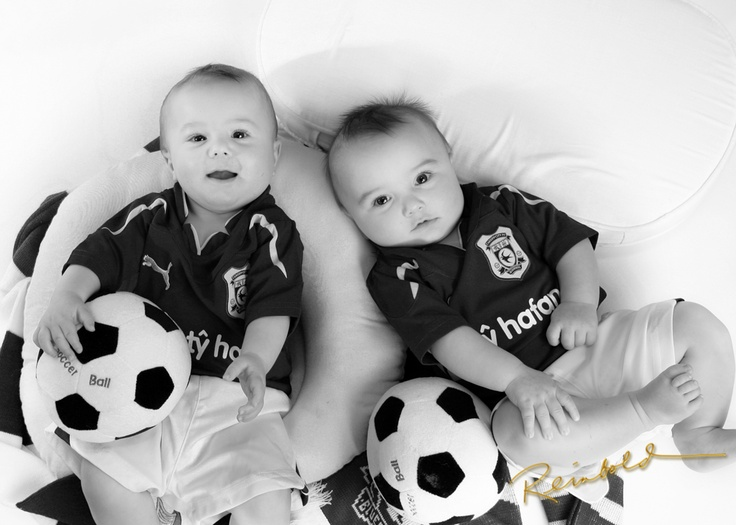 Photo idea for your wee soccer player's party!