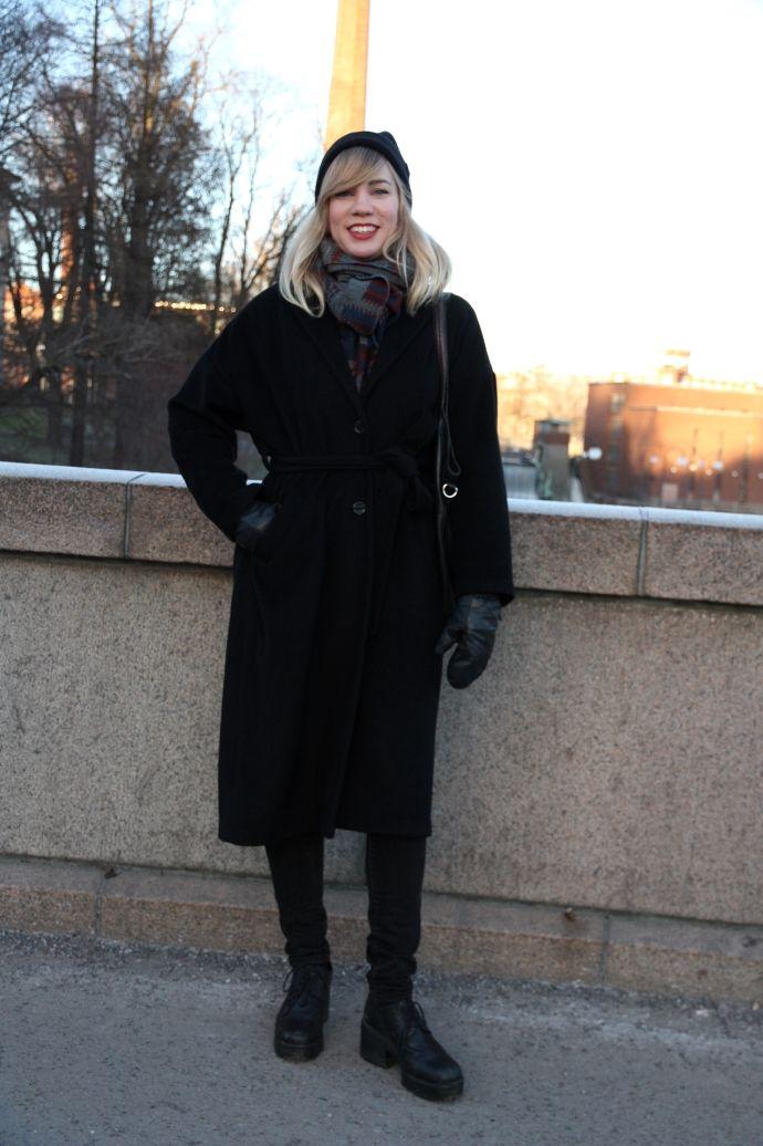 Trelooks - Street style from Tampere, Finland  www.trelooks.blogspot.com  // Keywords: women, black style, ootd, winter style, autumn style, spring style