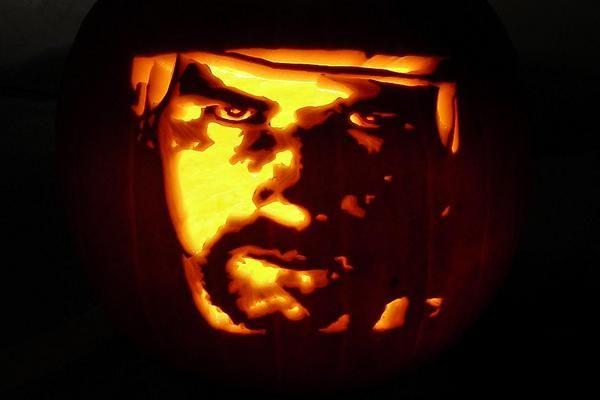 Toronto Maple Leafs hockey Halloween Wendel Clark pumpkin