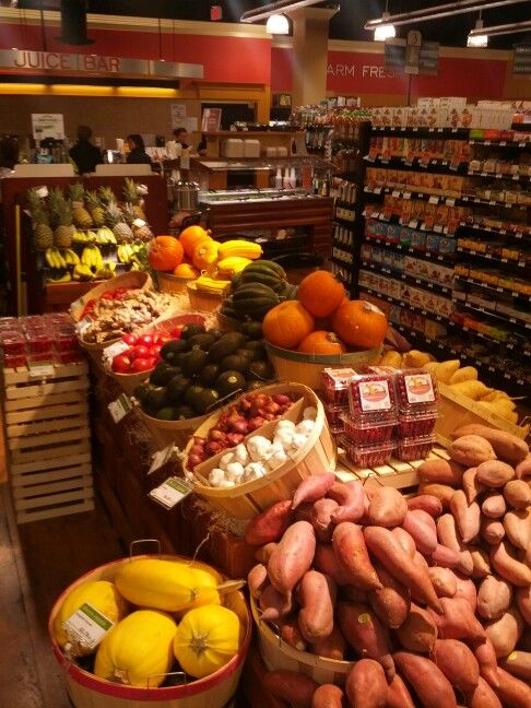 Fall produce display Dean's Natural Food Market Basking Ridge, NJ