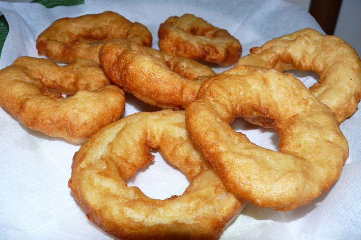 """Cuddruriaddri"" or ""Cullurelli"": fried dough usually in the shape of a ring made of flour, potatoes and salt. It used to be made on #Christmas period in #Calabria"